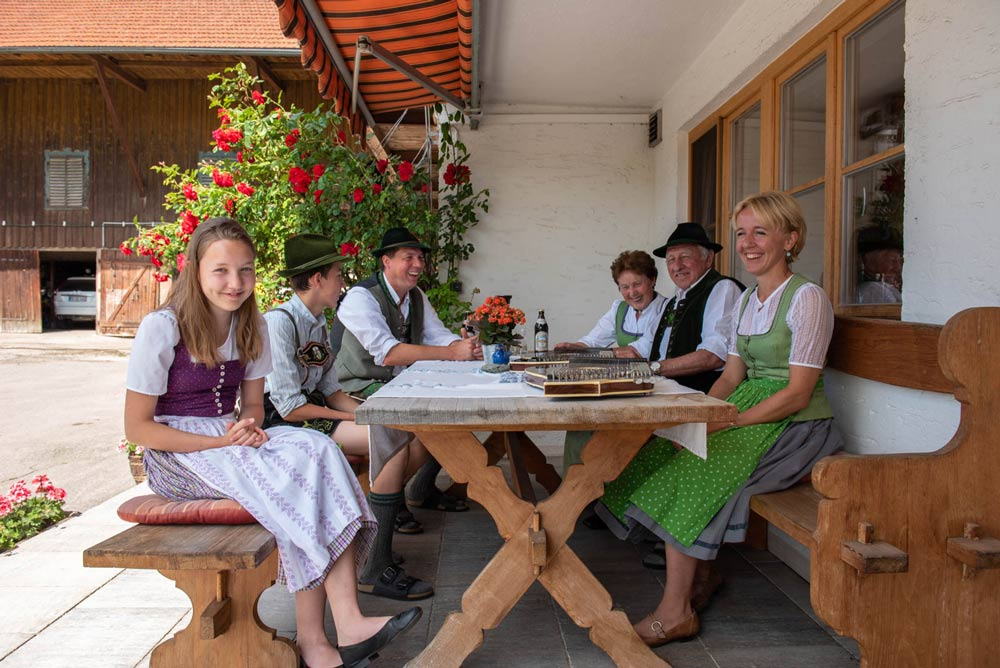 Familie vom Woidhauserhof in Piesenkam